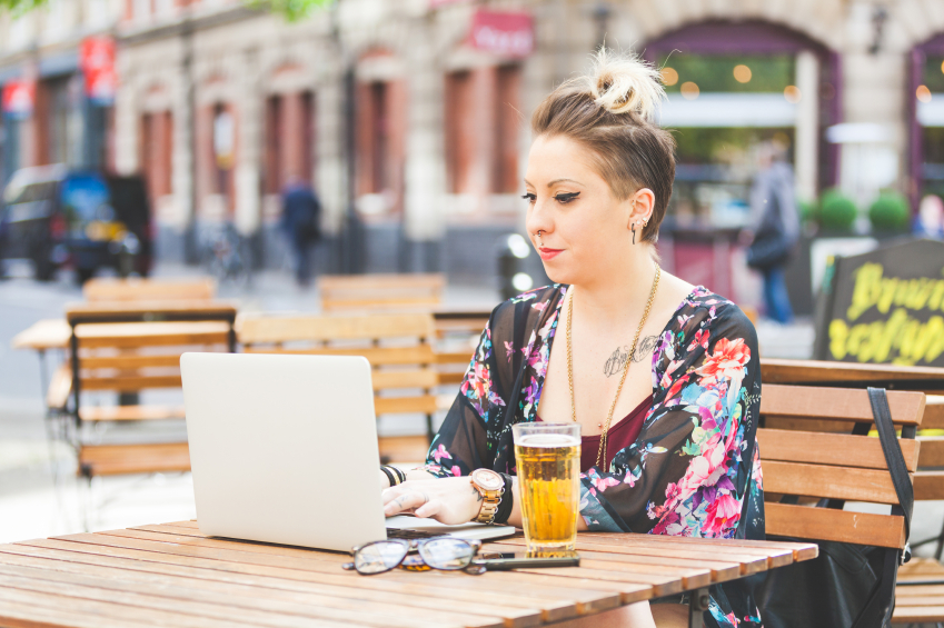 girl_on_computer__iStock_000074080421_Small