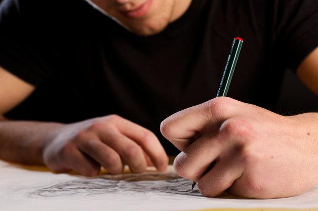 ed24261b5 designing_a_tattoo_iStock_000037105726_Small